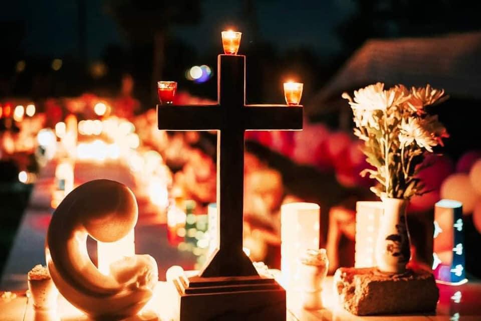 Tổ chức trung thu nơi nghĩa trang